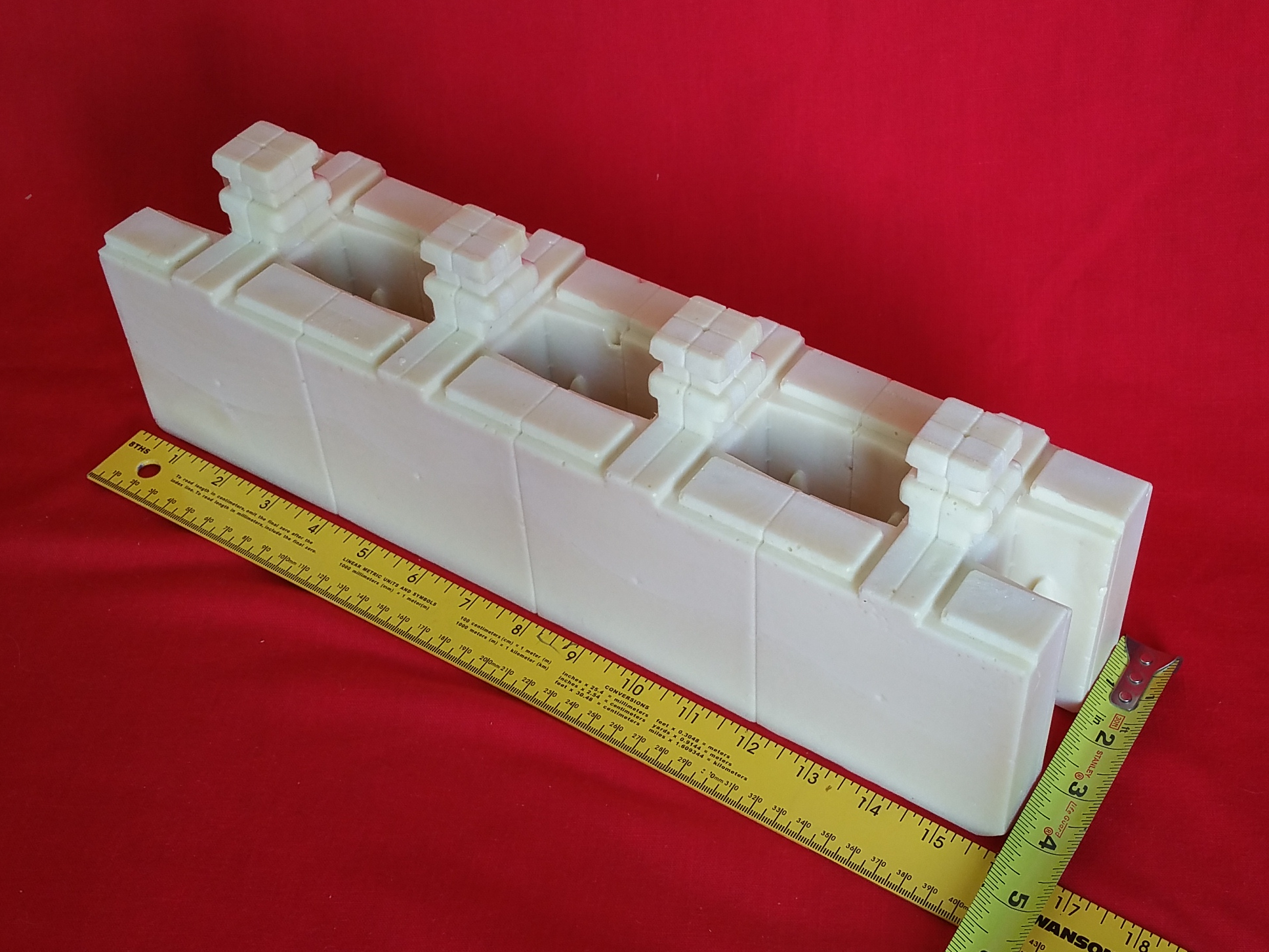 Modular building blocks that fully interlock on placement for Foam block construction